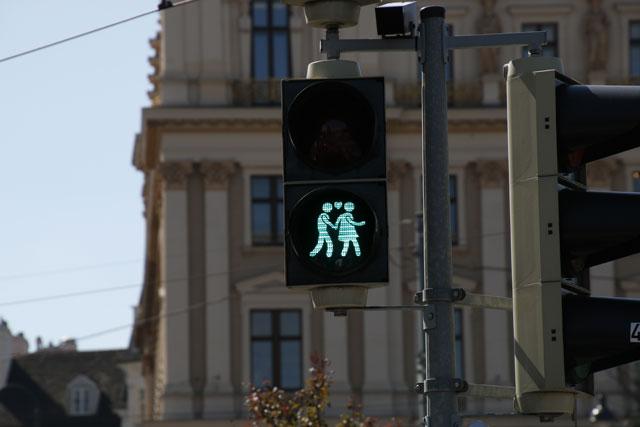 Ampelpärchen in Grün.