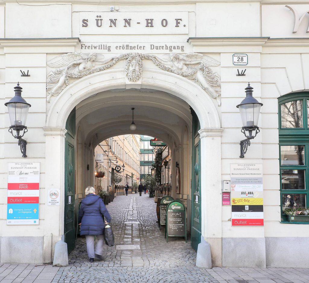 Durchgang Sünnhof auf der Landstrasser Hauptstraße