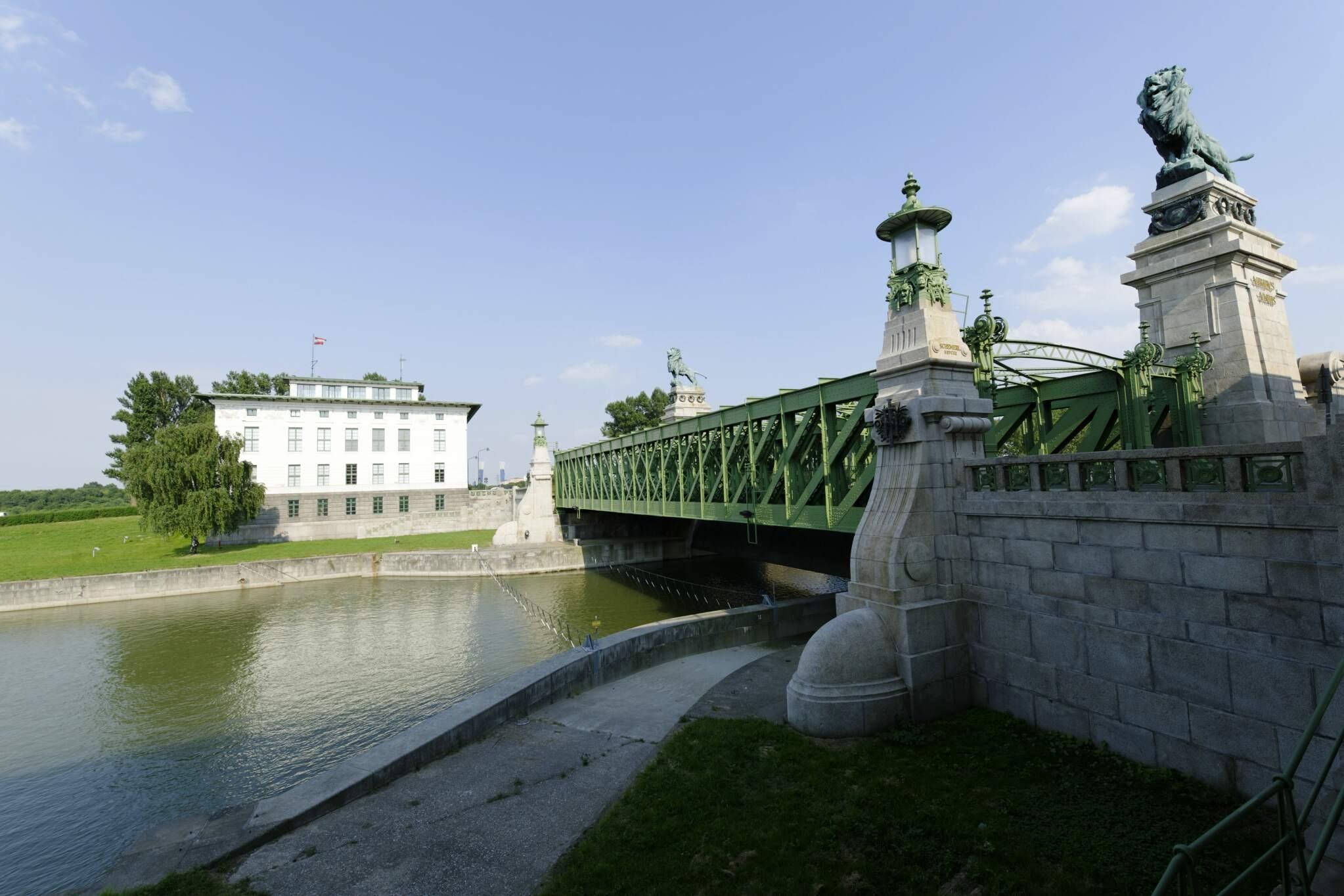 Donaukanal, Schemerlbrücke, Zentrale MA45